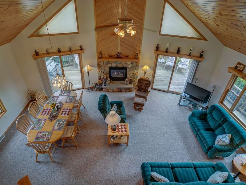 Relax and Unwind at the Wren's Nest in the Dells, vacation rental in Wisconsin Dells