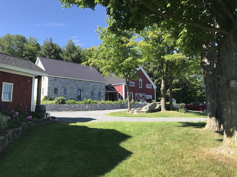 Amazing Multi-building property for Family Reunions, Retreats, Weddings, other, holiday rental in Fairfax