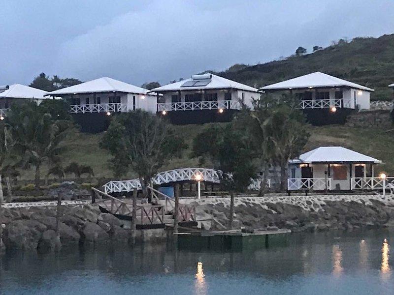 Dua Dua Beach Resort Deluxe King #2, vacation rental in Rakiraki