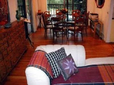 Lovely Lenox Home on Bishop Estate.....Walk to Town, Tanglewood, aluguéis de temporada em Richmond
