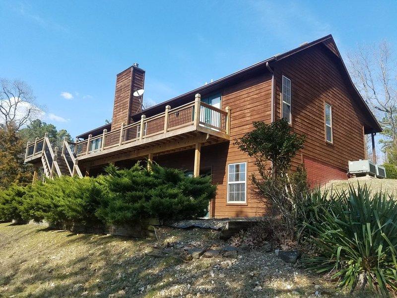 B&C-2 Lakefront Homes-Swim Deck-Wildlife-Very Nice & Private, holiday rental in Rogers
