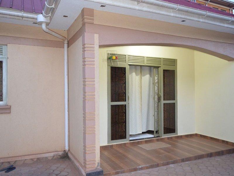 Voils Int'l Serviced Apartments Ntinda Minister's Village, location de vacances à Kasangati