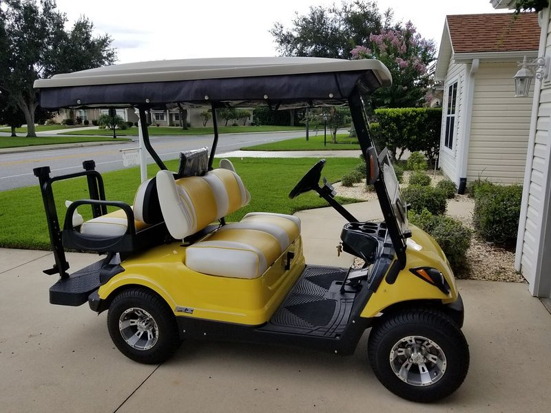 LARGE 3 BEDROOM, 2 BATH WITH GOLF CART AND VIEW, holiday rental in Summerfield