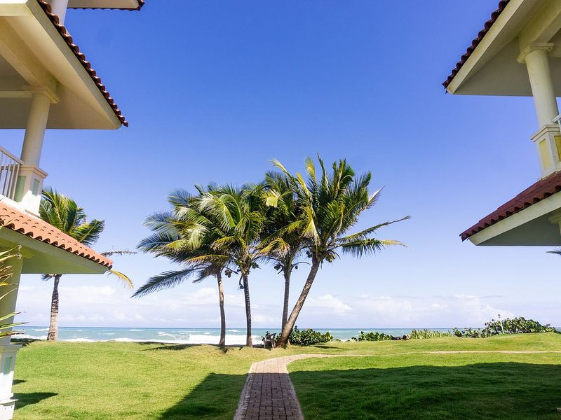 Victorian Cabarete - Condo by the Ocean, holiday rental in Espaillat Province