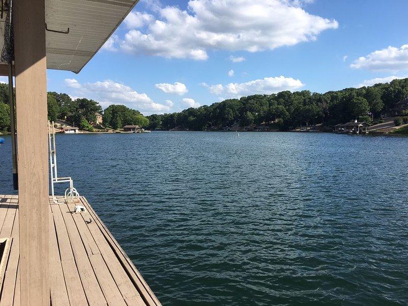 Lakefront Beauty on Lake Loch Lomond near Biking Trails, casa vacanza a Pineville