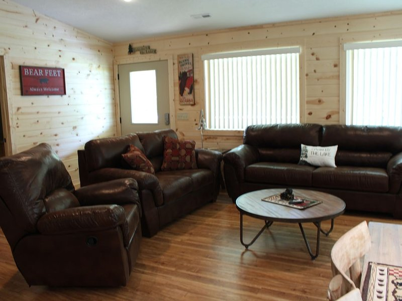 Lake access cabin on Table Rock Lake, holiday rental in Lampe