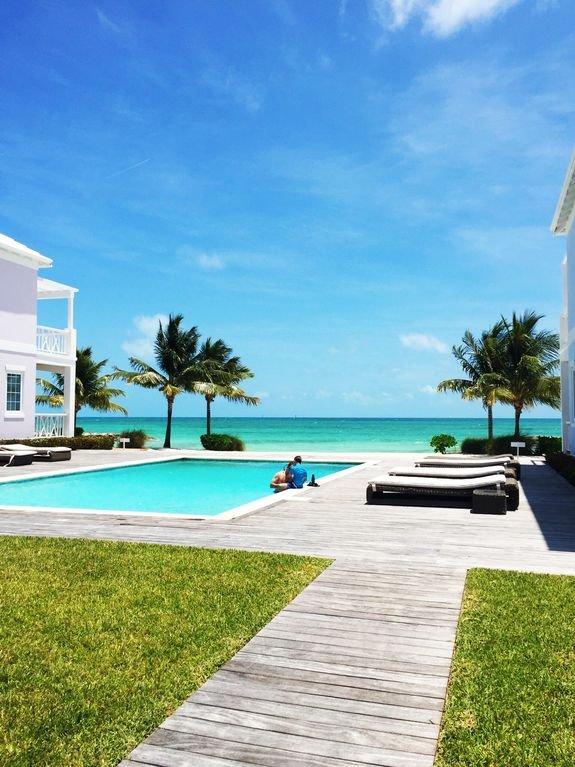 1 des 2 piscines à Palm Cay. Cette piscine est exclusive aux résidents de Starfish Isle. VOUS