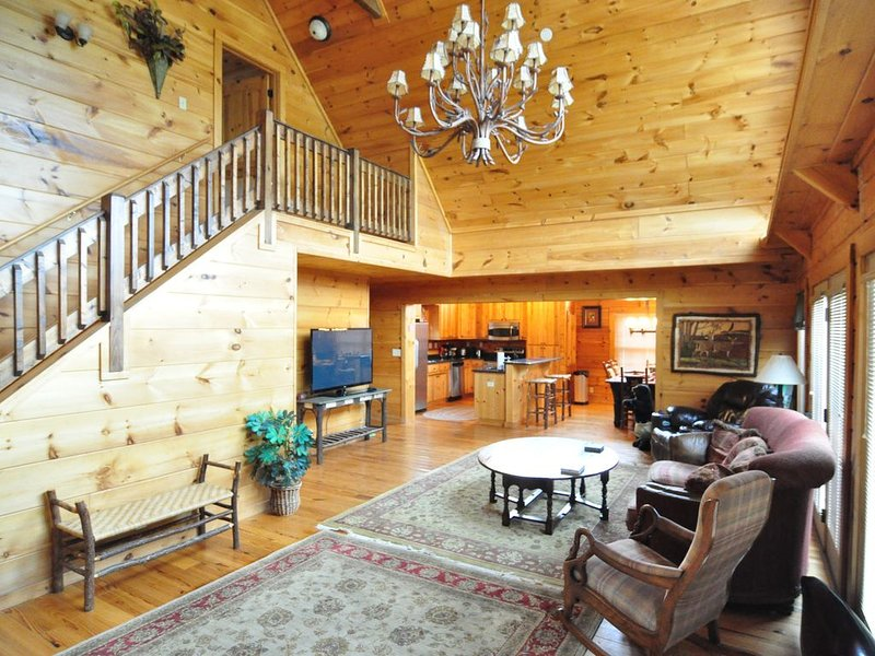 Convenient, cozy cabin in the heart of Ocoee Tn!, holiday rental in Calhoun