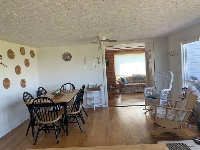 Oceanview Cottage on Sea Shell Lane, vacation rental in Ellerslie