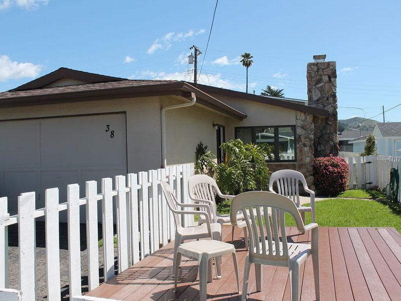 Close to the beach and town, pet friendly!, alquiler de vacaciones en Cayucos