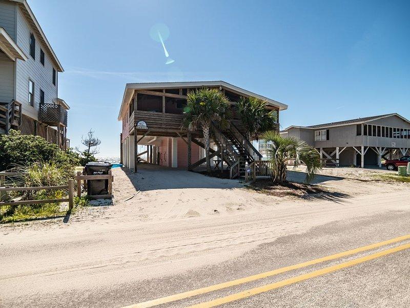 Pawleys Island Gem 'Porch' Oceanfront w/private creek dock Amazing Views, holiday rental in Litchfield Beach