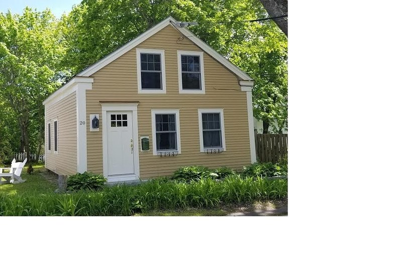 Schooner Cottage In Town Camden, vacation rental in Hope