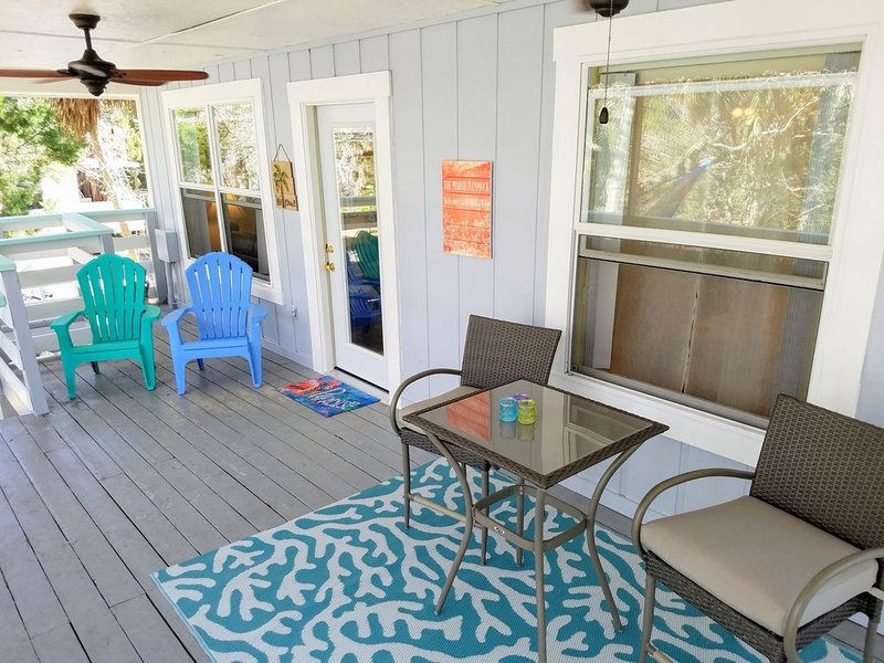 Visit Florida's nature coast - home of manatees,  dolphins, eagles, and mermaids, holiday rental in Hudson