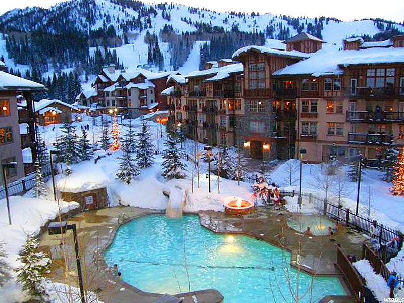 Wanderlust Suite - Elegantly Decorated Condo Near Lifts at Solitude, holiday rental in Solitude