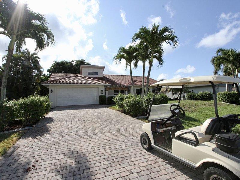 Old Florida Getaway Golf Fish Relax, holiday rental in Bokeelia