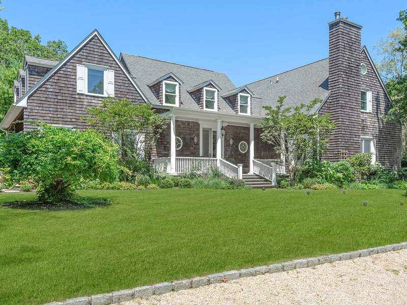 Beautiful Private Water Mill Home w/ pool, vacation rental in Water Mill