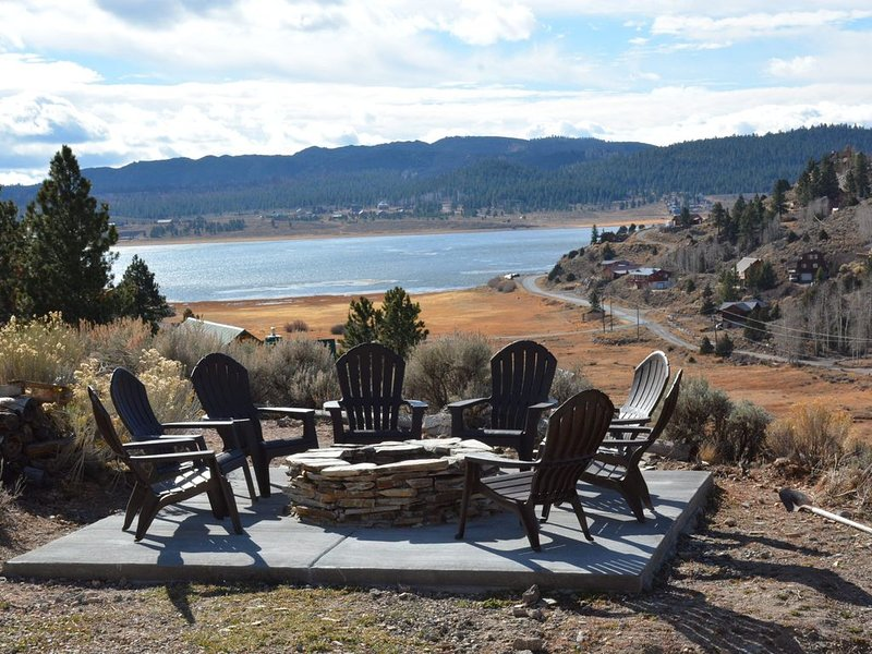 Beautiful Cabin with Incredible Views of the Lake and Mountains - 2nd to None!, location de vacances à Brian Head