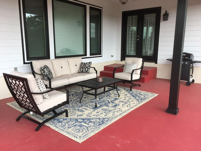 ★Creek Side Retreat★, vacation rental in Dripping Springs
