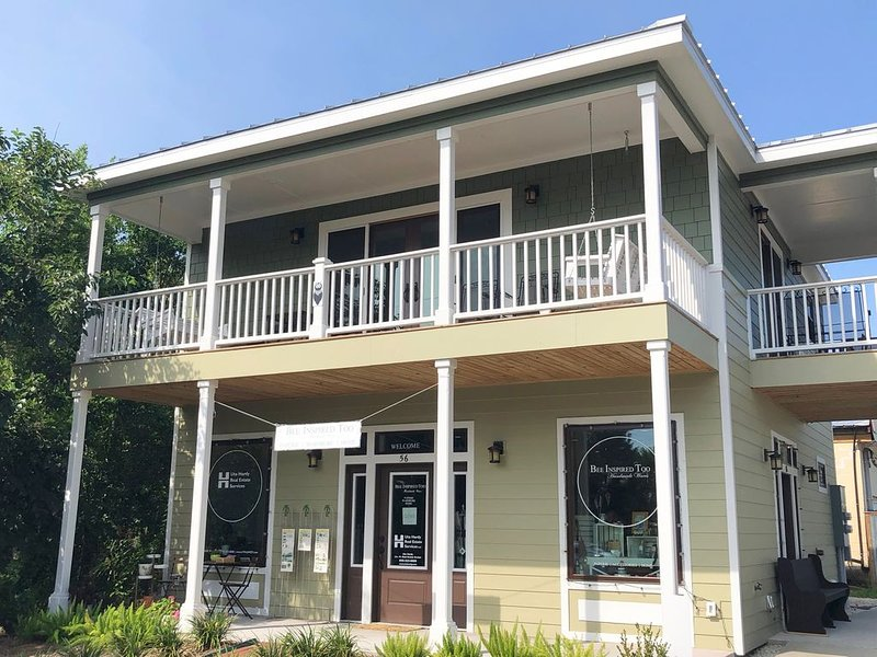 ***** Loft Lodging in Apalachicola, holiday rental in Apalachicola