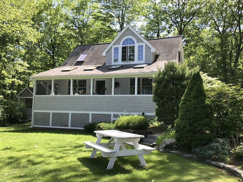Taylor Pond Vacation Home, holiday rental in Monmouth