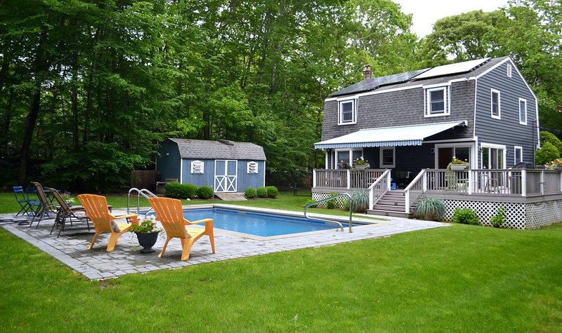 Water Mill - 3 Br Rental with an Inviting Back Deck and Pool, aluguéis de temporada em Water Mill