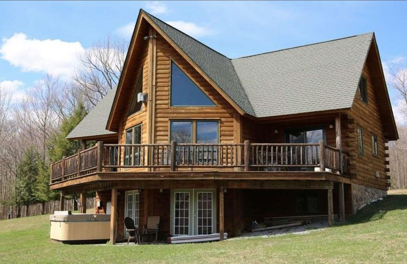 Stunning Catskills Cabin Getaway, facing BelleAyre, holiday rental in Fleischmanns
