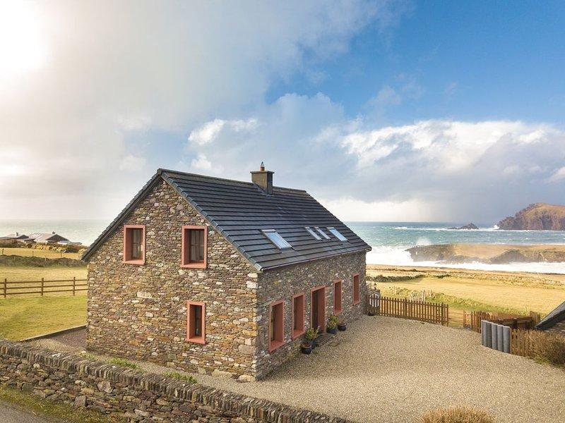 'A House to Live for -View to Die for'., aluguéis de temporada em Dingle Peninsula