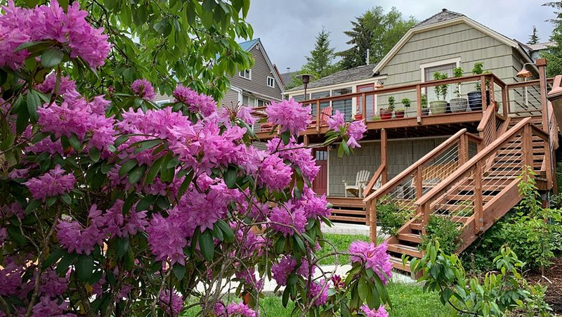 Conveniently located only 2 blocks to downtown Ketchikan!, vacation rental in Ketchikan