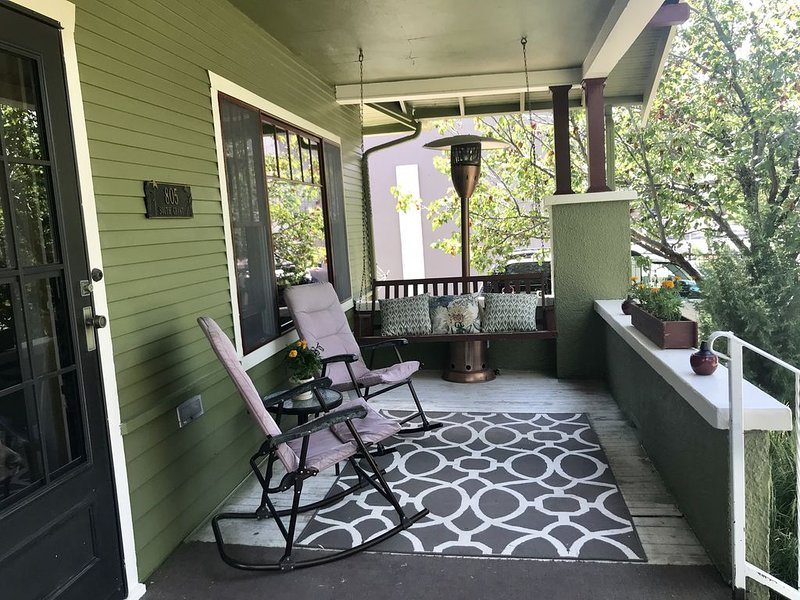 Downtown Craftsman Home, holiday rental in Bar Nunn