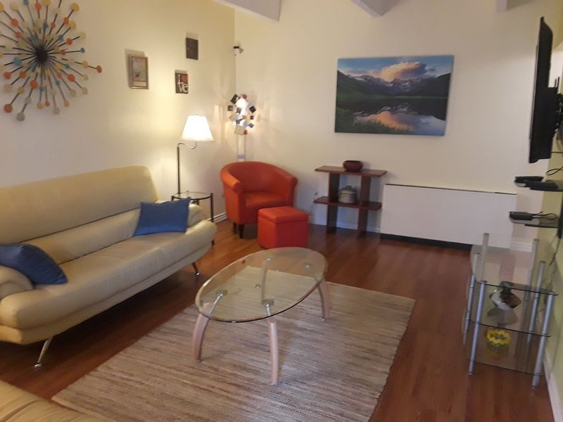 Fantastic Condo in the heart of Metro Denver/Aurora, location de vacances à Montbello
