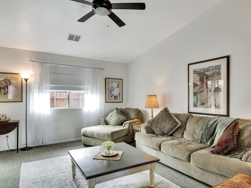 Beautiful, Private Home near Sedona, Jerome, Wine Tasting, and Restaurants. Perf, holiday rental in Cottonwood