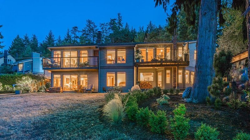 Blueback House, Golf, Beach, The good life in Nanoose Bay, holiday rental in Nanoose Bay