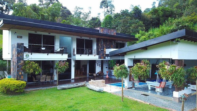 THE LUXURY MANSION MEDELLIN - ENVIGADO, vacation rental in Envigado