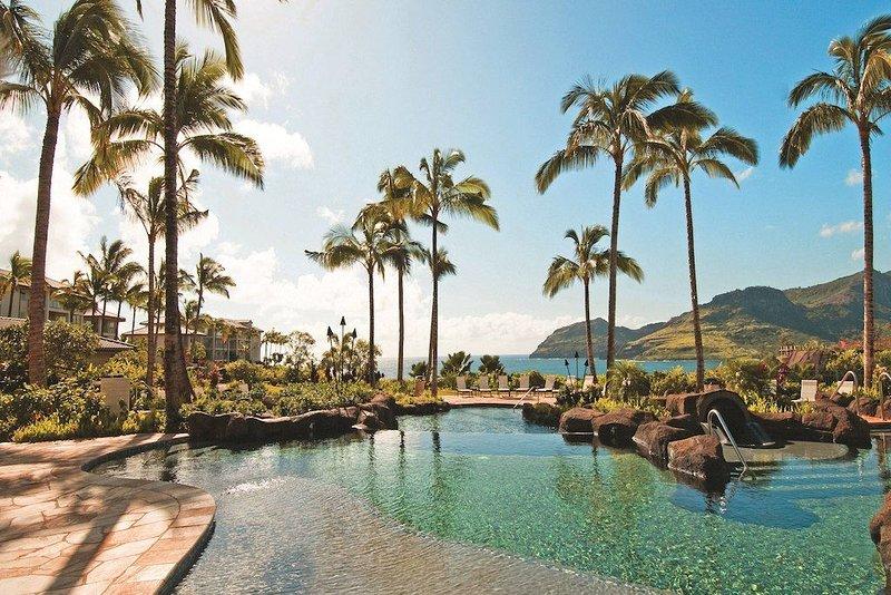 Secluded tropical oasis, Marriott Kauai Lagoons- Kalanipu'u, spacious 2 bedroom!, casa vacanza a Lihue