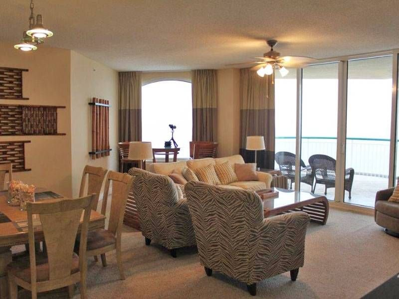 Stay in the Beach Front Penthouse!! And for the Same Price as all the Others!!, Ferienwohnung in Pensacola
