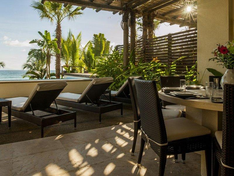 Los Veneros LUXURY Beach Front Ground Floor Unit, holiday rental in La Cruz de Huanacaxtle