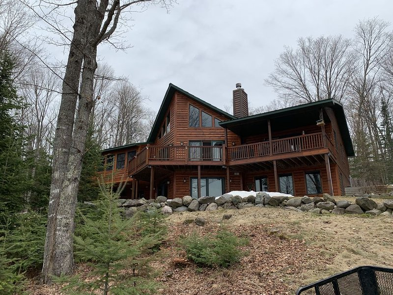 Ski Brule - Lake Home Accommodates 16 people, holiday rental in Iron River