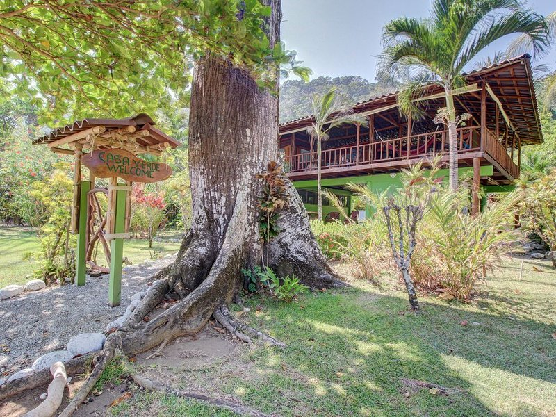 Waterfront home w/ a full kitchen & private pool - walk to beach!, holiday rental in Pavones
