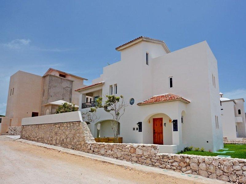 Casa La Mera Mora: Your Private Getaway, holiday rental in Playa Mujeres