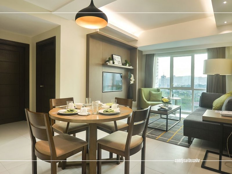 A4 -2 Bedroom Comfy Suite at The Padgett Place, vacation rental in Cebu City