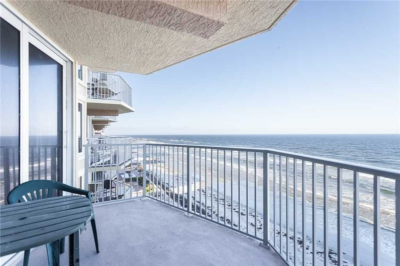 Shores Club 806, 2 Bedroom, 8th Floor, Oceanfront, Sleep 6, vacation rental in Ponce Inlet