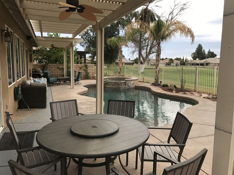 Walk To Music Festivals, Private Pool, On Golf Course, holiday rental in Indio