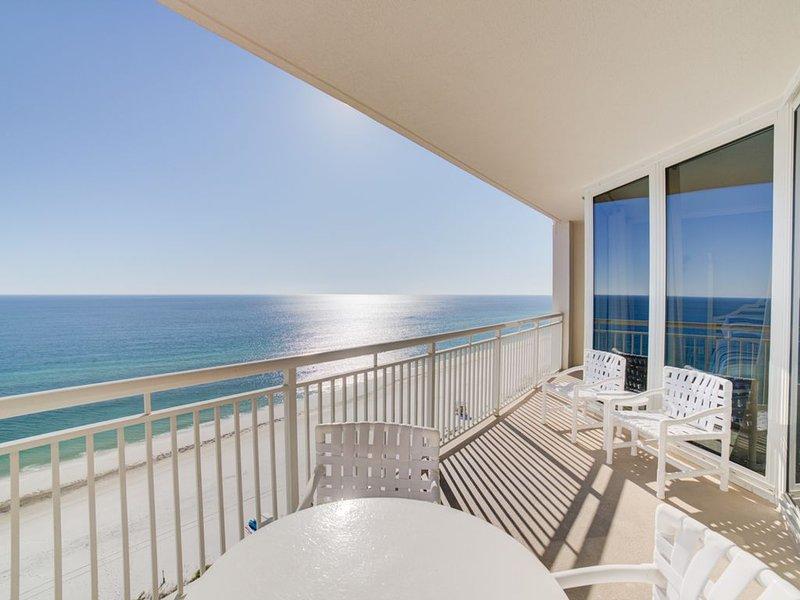 Live the life of luxury in this beautiful Pearl of Navarre Beach Condo!, alquiler de vacaciones en Navarre
