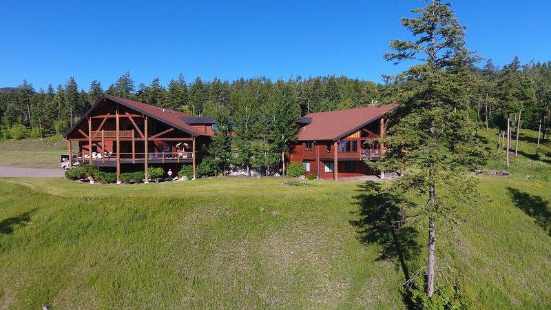 14,229sqft Estate on 8ac w/ 4100sqft Guest home TikiBar HotTub Overlooking GNP!, casa vacanza a Rollins