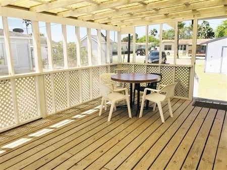 Off-Water Fishing Retreat. 3 Bedroom, 2 Bathrooms. Pull Through Driveway. Screen, location de vacances à Port Mansfield