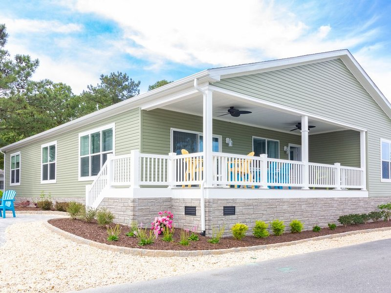 Beautiful home steps from waterfront, private beach, pools, pet friendly!, vacation rental in Millsboro