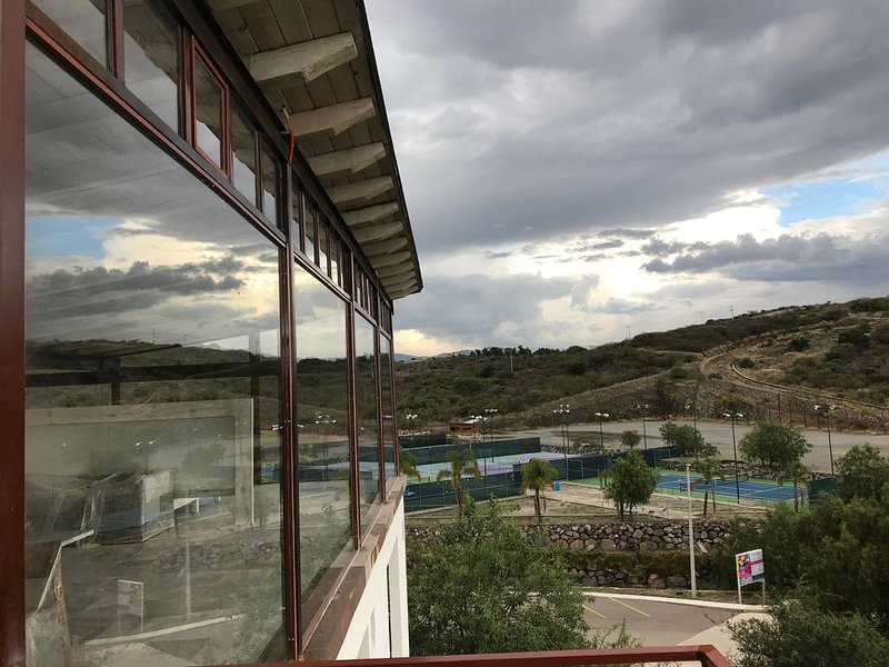 PH WITH AMAZING VIEWS, vacation rental in Queretaro City