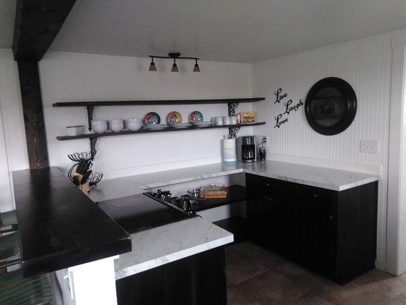Quaint 2 Bedroom Farmhouse, holiday rental in Powell