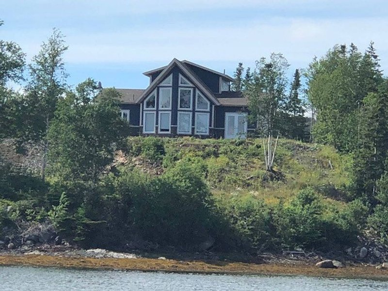 Beautiful Ocean View Home, holiday rental in Twillingate