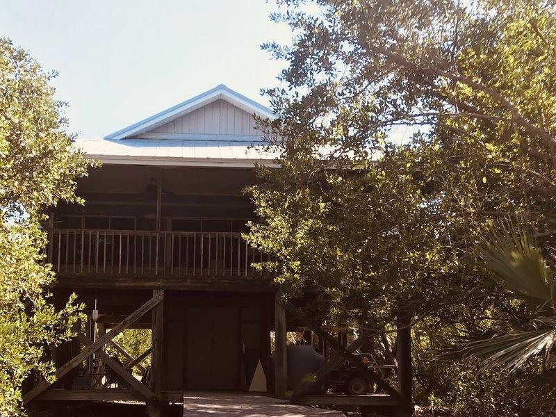 Island Retreat - Privacy, Tranquility, Close to the Beach!, aluguéis de temporada em Little Gasparilla Island